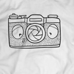 T-Shirt Shop mit Kamera-Motiven
